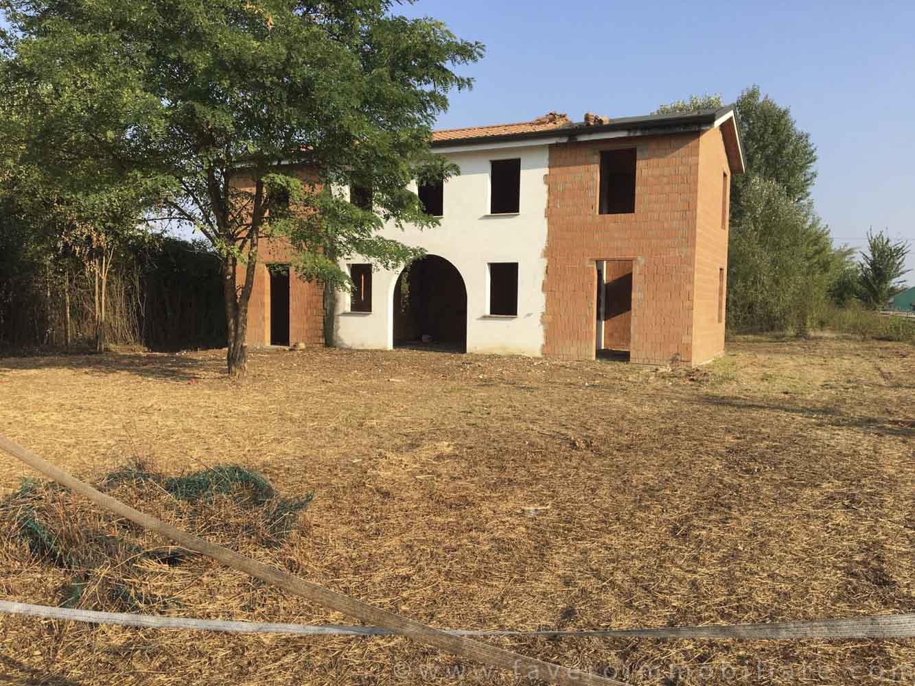 Case e uffici in vendita a dolo mirano venezia e provincia for Appartamenti in affitto arredati a dolo