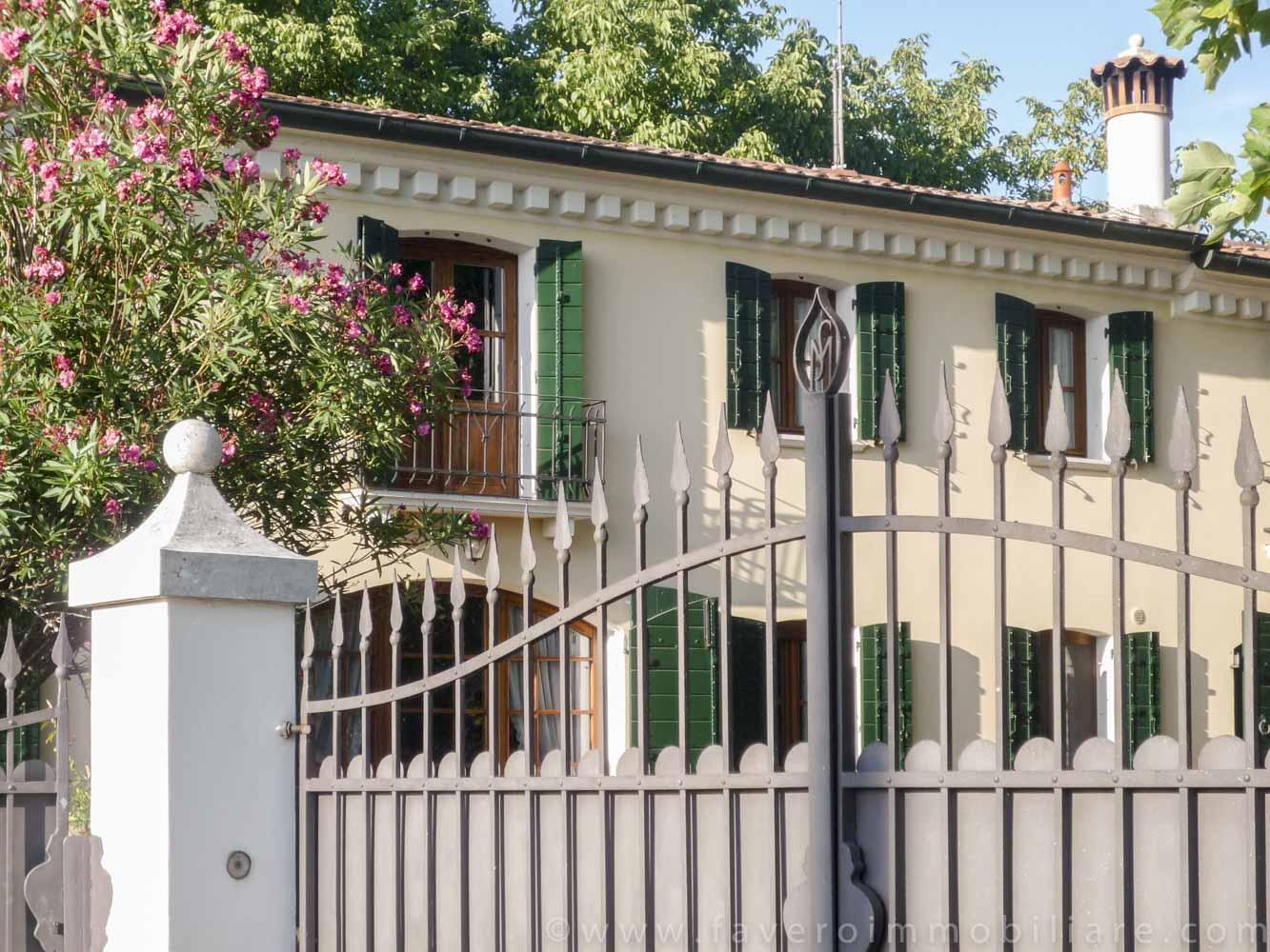S giorgio delle pertiche splendida casa colonica di for Casa vivente del sud progetta la casa colonica
